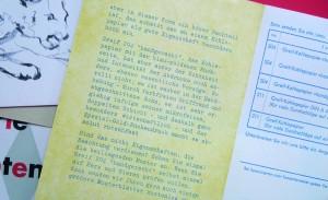Schräge Sache: Schreibmaschinen-Mailing mit schlechtem Flattersatz.