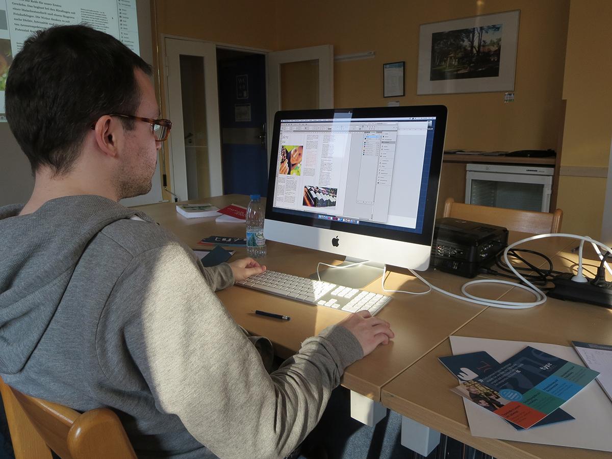 Teilnehmer bei den Workshops zum Thema Typografie und Layouttechnik in Berlin.