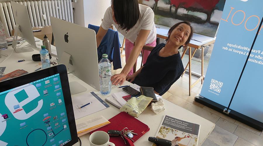 Teilnehmer beim TypoCAMP, dem 5 Tages InDesign-Workshop für Studierende aus den Fachrichtungen Design, Kunst, Medien und Kommunikation