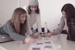 In der Gruppe lernen Sie die Wirkung von Typografie und Layout