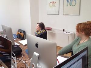 Teilnehmer beim Workshop in Düsseldorf: Layouts für die Produktion sicher aufbereiten – von der Reinzeichnung bis zum fehlerfreien Druck-PDF.